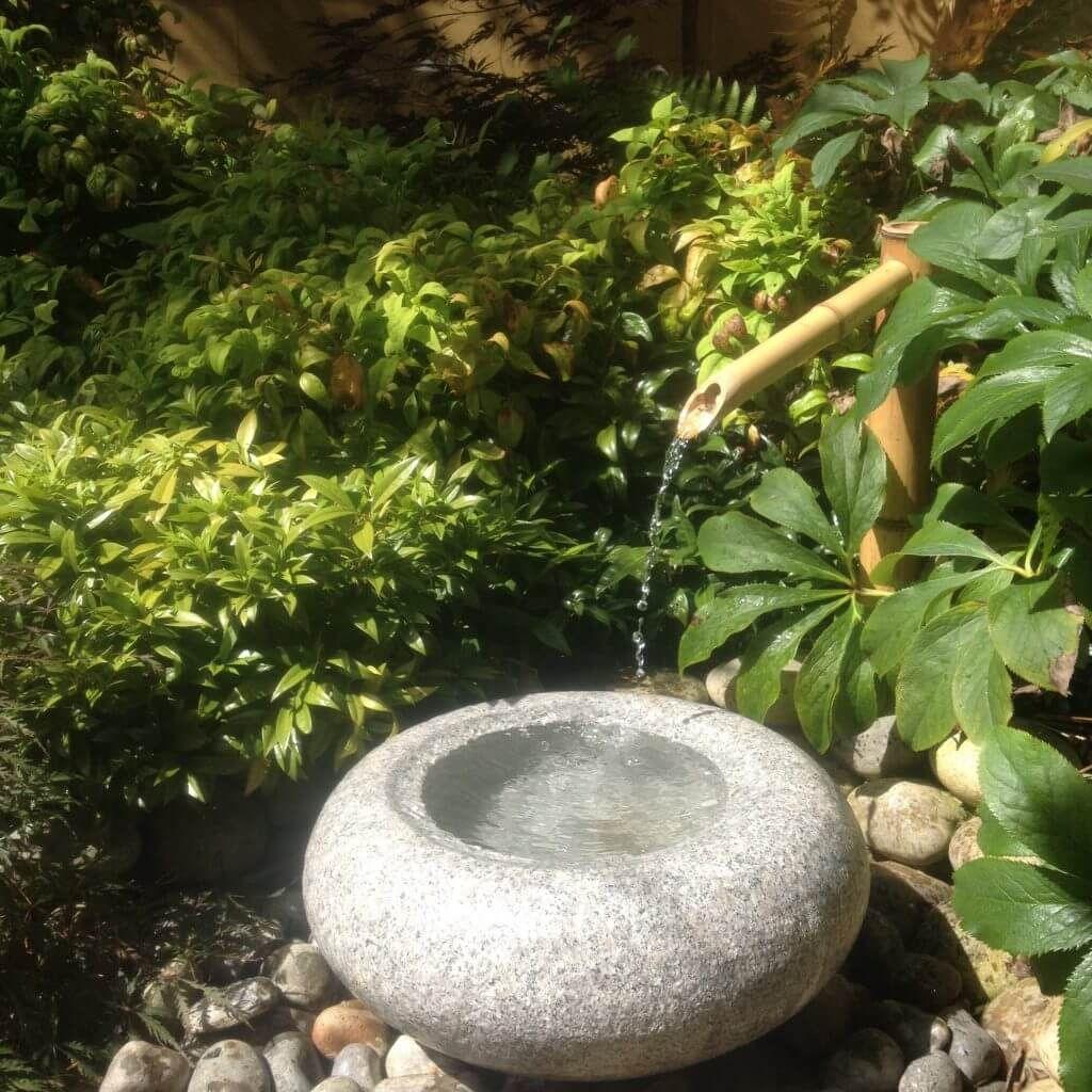 Tetsu Bachi Japanese Water Basin Kyoto Range Garden Ornament Bowl Build A Japanese Garden Uk In 2020 Japanese Garden Japanese Water Feature Small Japanese Garden