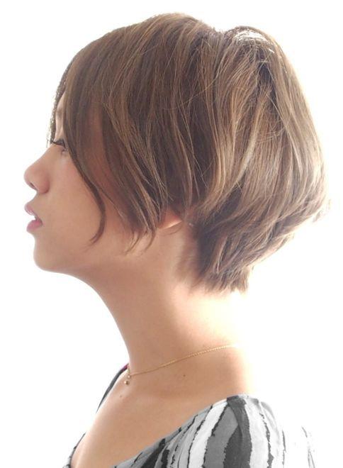 ベージュ プラチナアッシュ ミルキーベージュ関連のショートヘアです