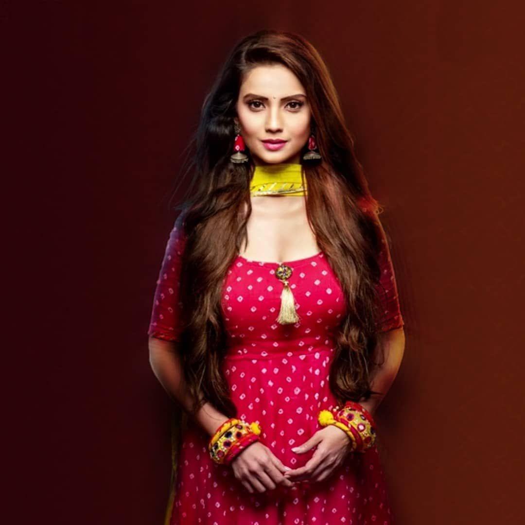 HOT NAKED GIRLS: Star Plus Actress Adaa Khan In Behnein