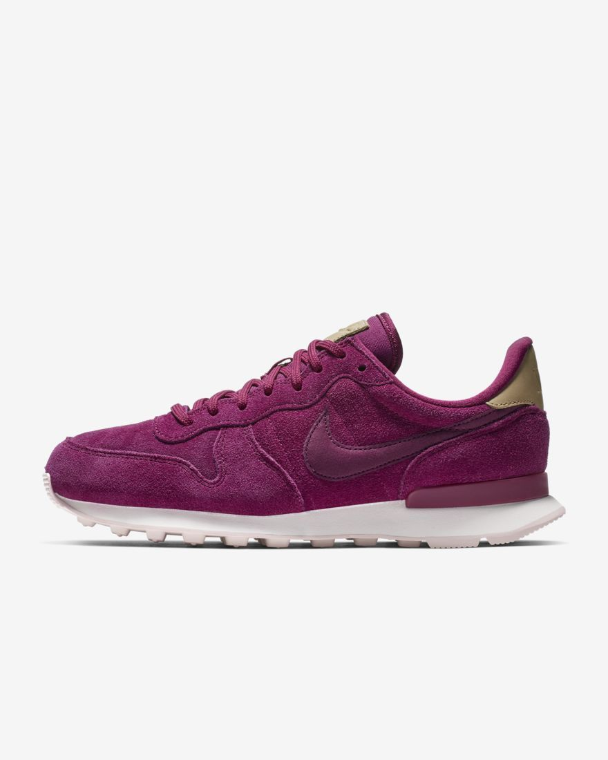 Nike Internationalist Premium Women S Shoe In True Berry Nike Internationalist Nike Internationalist Premium Women Shoes