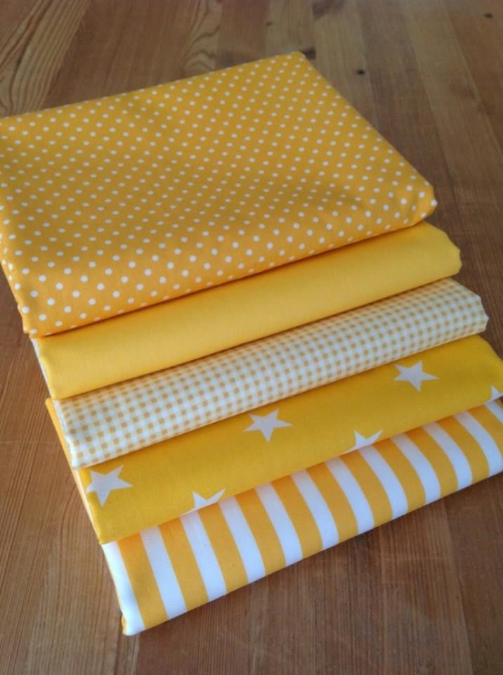 Yellow FQ Fat Quarter Fabric Blended Stars Patterns 100/% Cotton Quilting