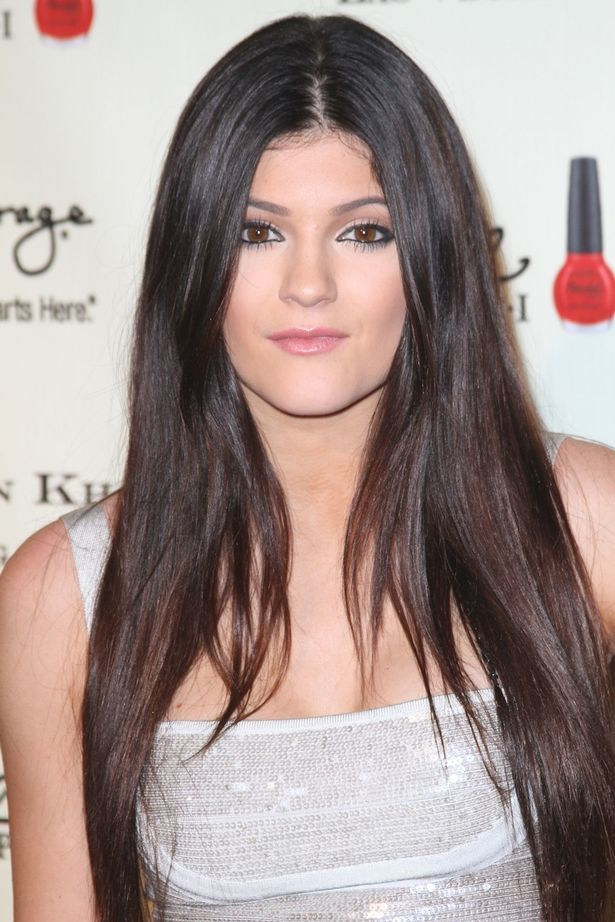 As Kylie Jenner Steps Out With BLUE Hair We Take A Look At