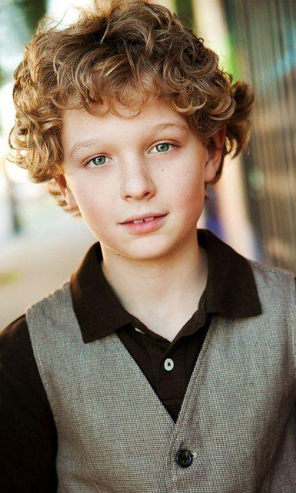 Riley Thomas Stewart(画像あり)