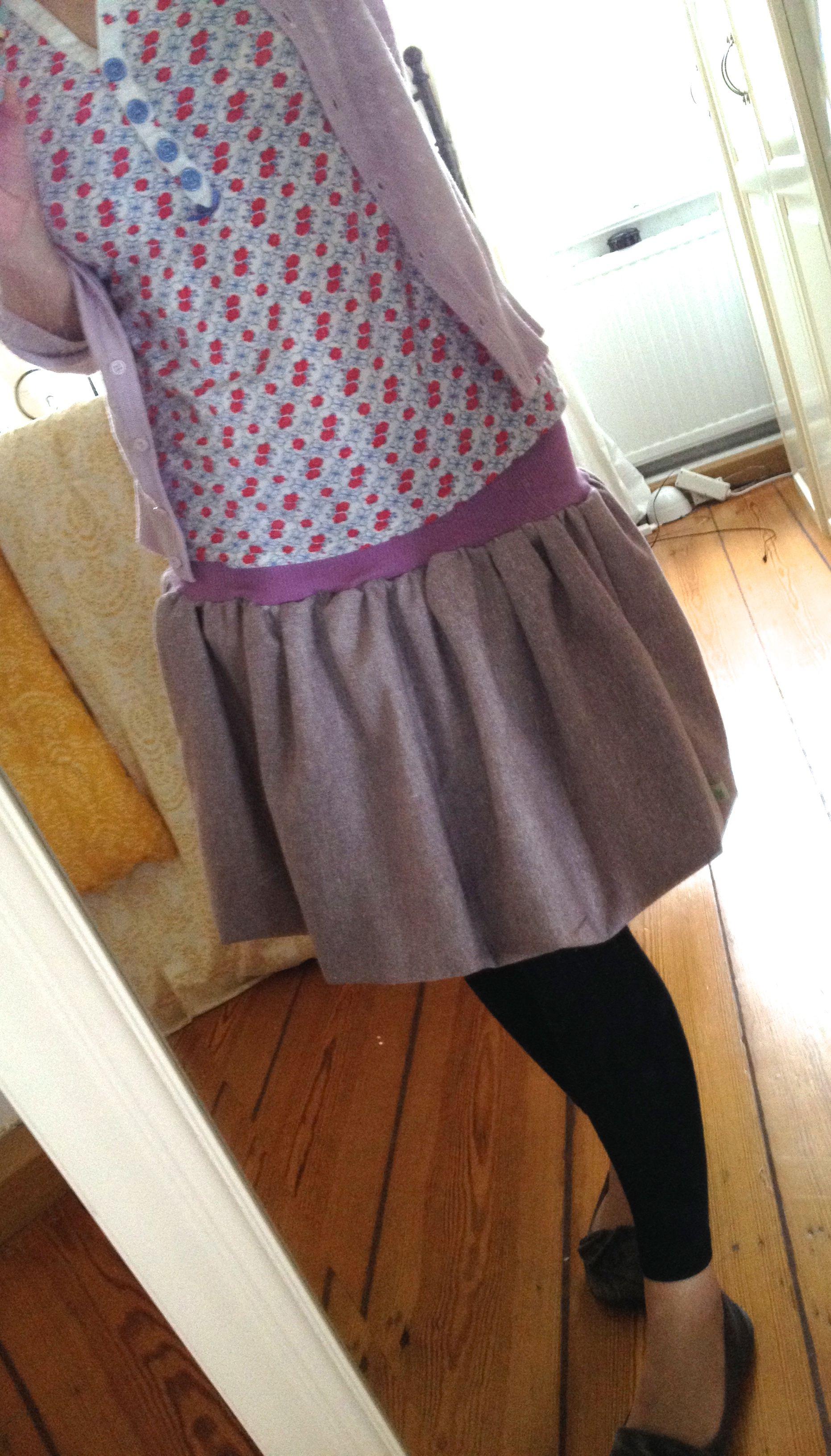 mal was für mich ;) fluffiger ballonrock aus meinem lieblingstweed ;)
