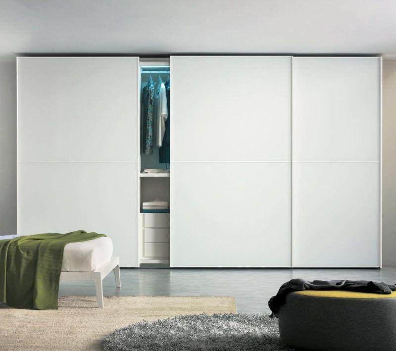 Moderner Kleiderschrank mit LED-Beleuchtung | Built in cupboards ...