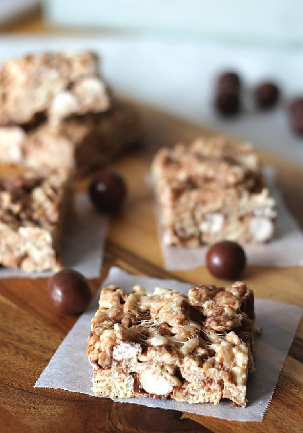 These crispy, ooey-gooey Malted Milk Ball Rice Krispies Treats® are a fun and festive twist on classic dessert! Check out the full recipe to enjoy this yummy chocolate, marshmallow, and candy flavor combination for your family.