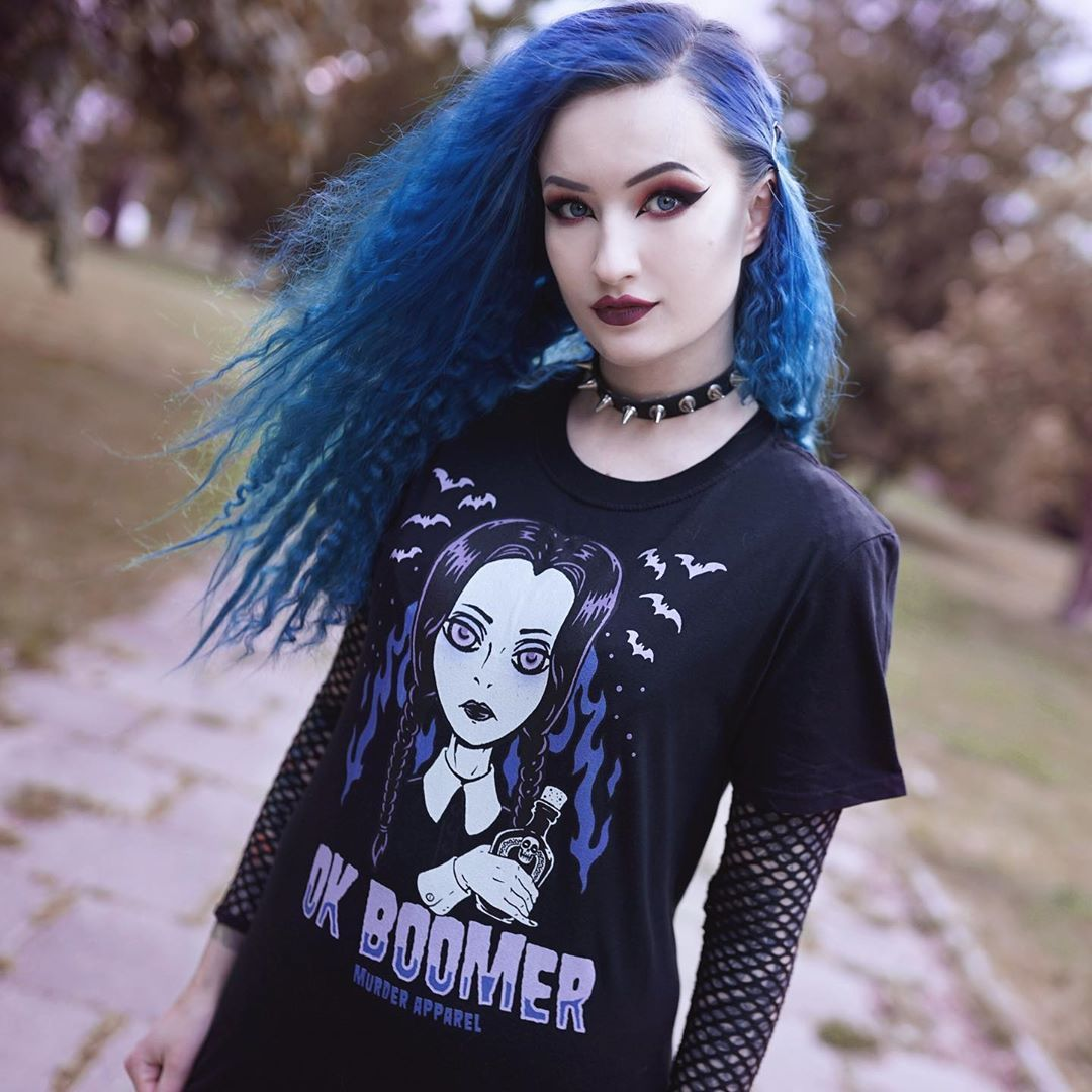 """🦇 ᗩᔕTᖇIᗪ 🦇 on Instagram: """"Too old to be zoomer, too young to be boomer 😆 shirt from @murderapparel 🦇 #bluehair #blueastrid #altmodel #alternativemodel #altgirl…"""""""