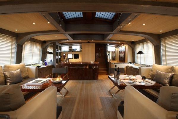 Innenarchitektur Yacht roxane luxusyacht holzboden bar design b o a t