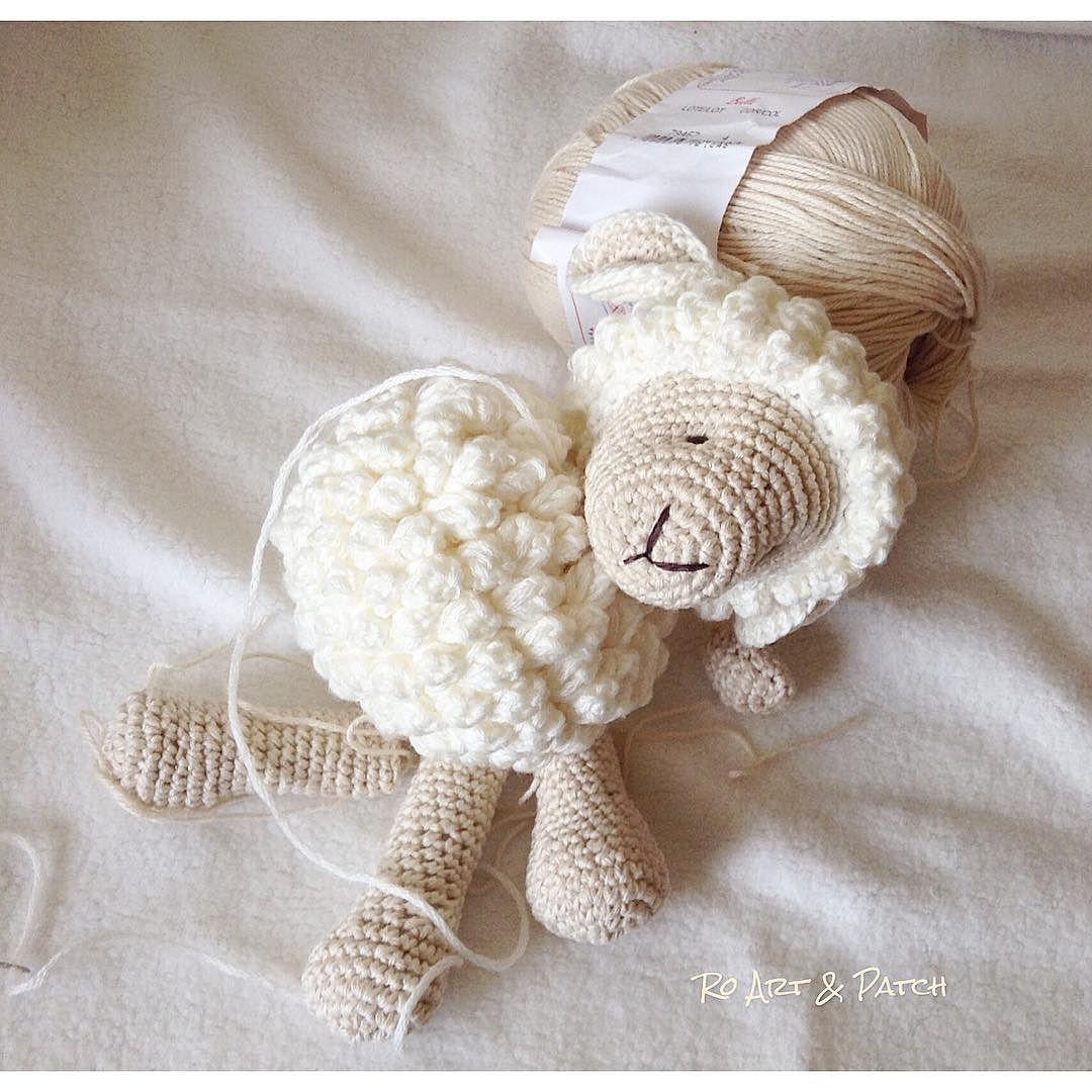 Começo de semana eu trabalhando em um novo projeto Ovelha em crochet -Amigurumi usando fio 100% algodão. Quanto ficar pronta posto a foto. #gestante #gestante #gravidez #enxovalbebe #enxovaldebebe #crochetamigurumi #crochet #amigurumi #amigurumis #ovelha #ovelhas #ovelhinhas #baby #babyboy #babygirl #babydecor #decorbaby #decoracaobebe #decoracaoquarto #feitoamao #baby #bebe #bebes #bichinhosdecrochet by rosanaaoyama