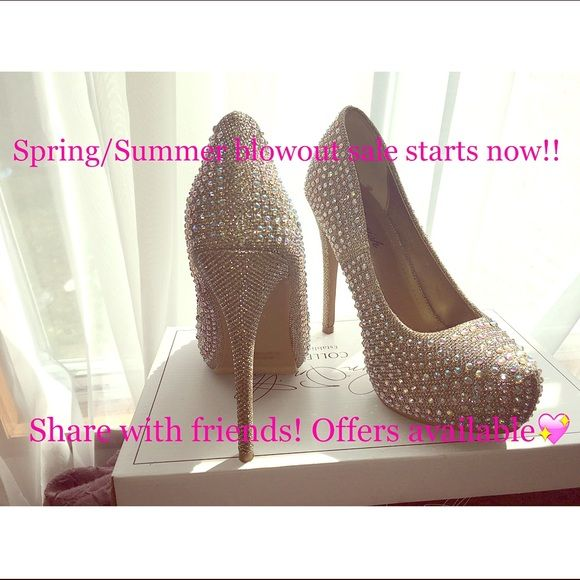 Blowout sale on all shoes!! Spring/Summer shoe sale starts now! All offers available! So have fun! ❤️ Shoes
