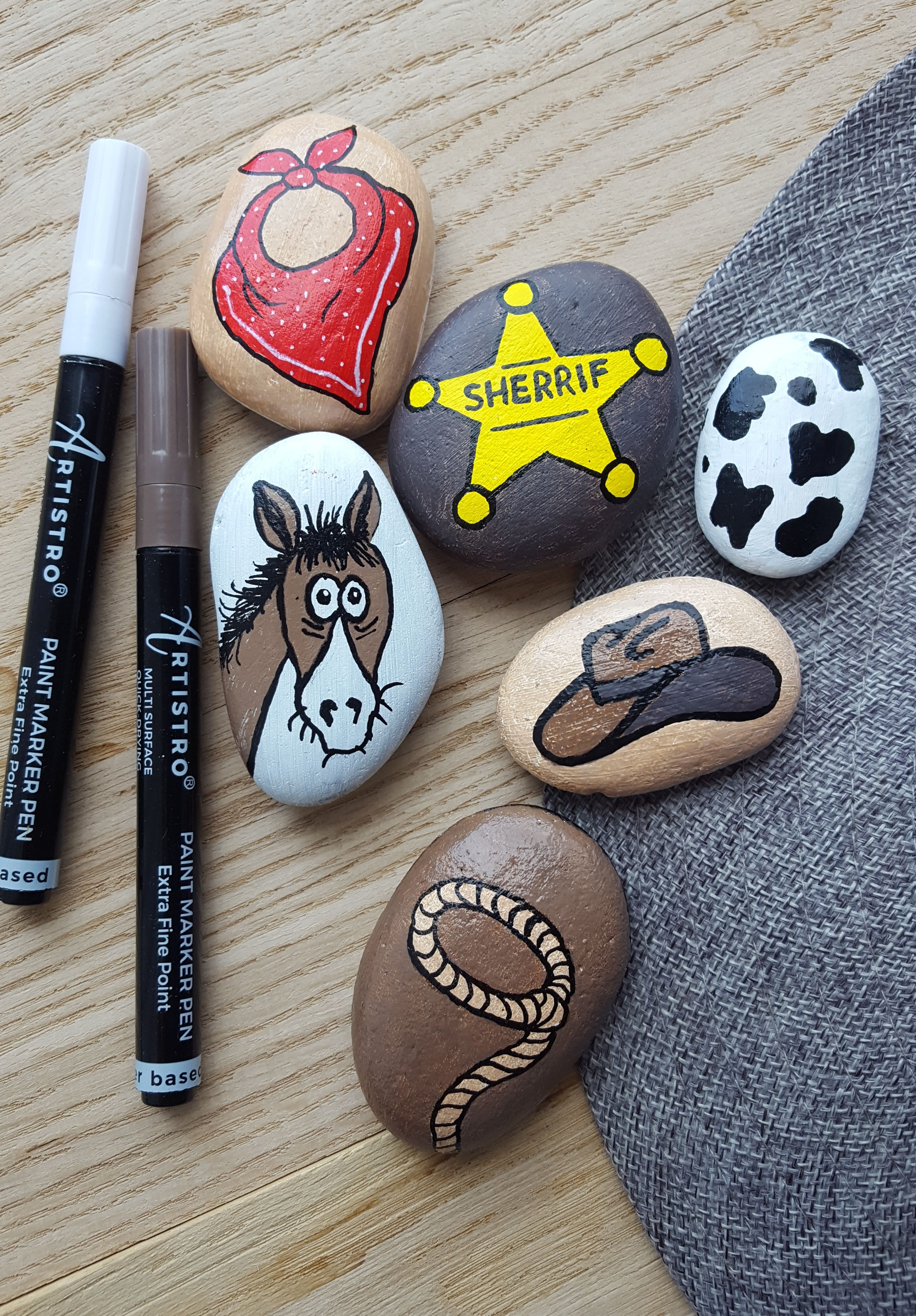 Acrylic Paint Pens For Rock Painting More 28 Colors Extra Black White Extra Fine Tip 0 7mm Painted Rocks Rock Painting Designs Hand Painted Rocks