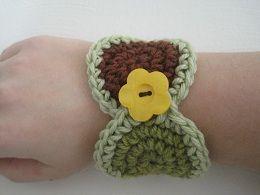 Crochet Pattern: Fun Circles Wrist Cuff - Tutorial bracelet •✿•  Teresa Restegui http://www.pinterest.com/teretegui/ •✿•
