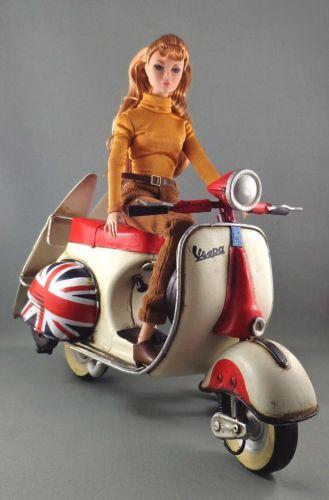 Vintage VESPA Scooter Moped FR Barbie Poppy Parker 1:6 Scale Action Figure Dolls
