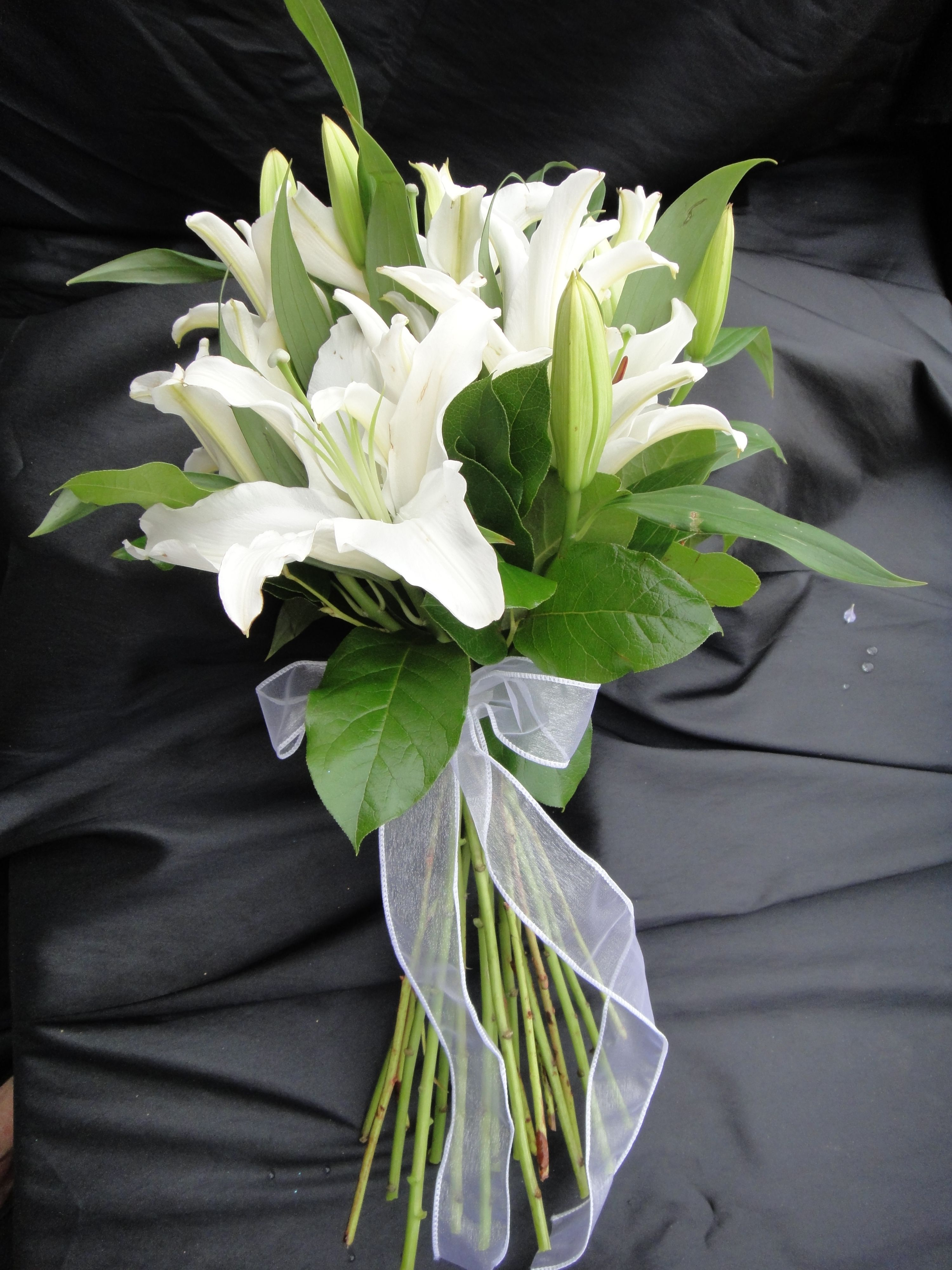 White Casablanca Lily Bouquet Expressions 24 7 Lily Bouquet Wedding Flowers Wedding Bouquets