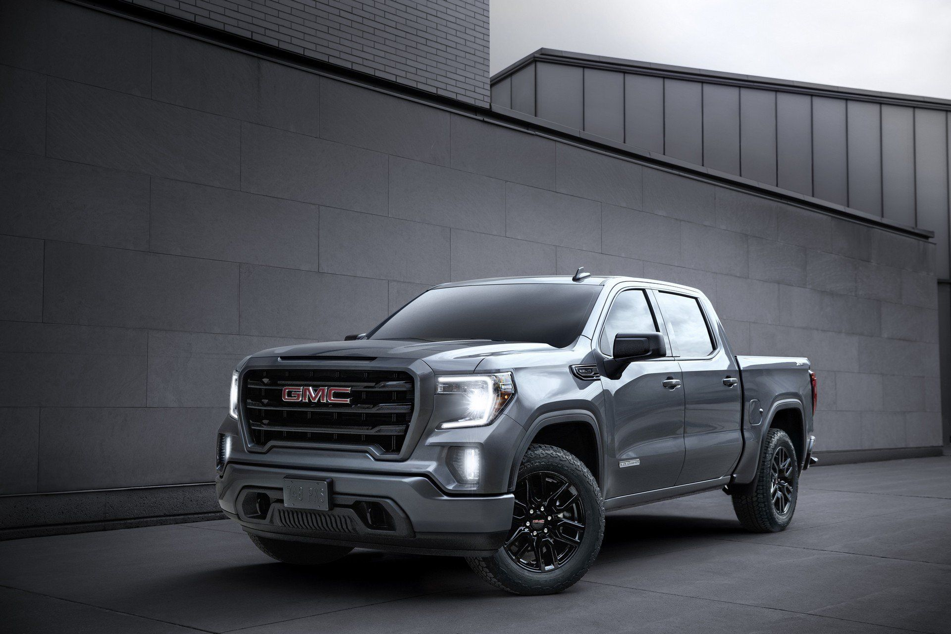 2020 Gmc Sierra 1500 Arrives With New Tech Updated At4 Carbonpro Edition Carscoops Gmc Sierra Gmc Sierra 1500 Gmc