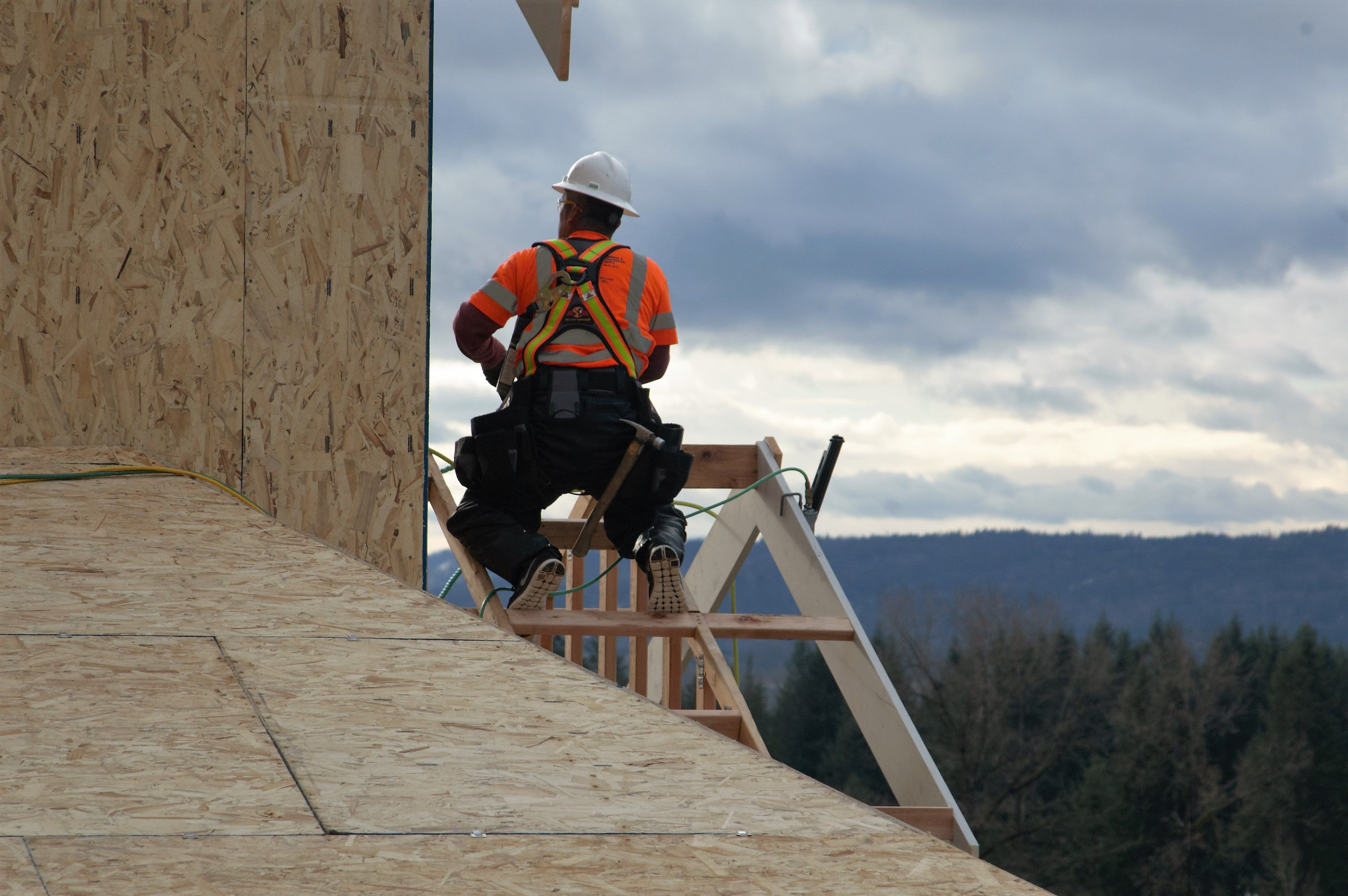 Pacific Northwest Framing Contractors using Super Anchor