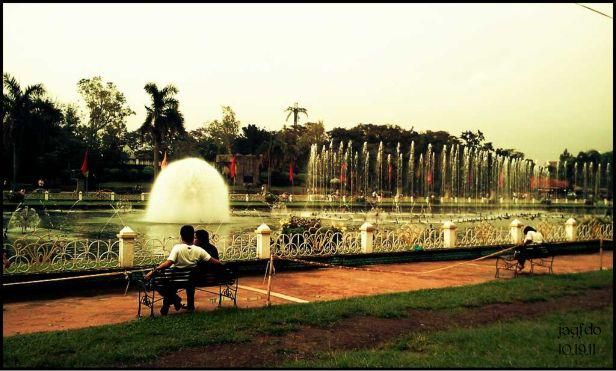 @ the Luneta Park----lover's lane