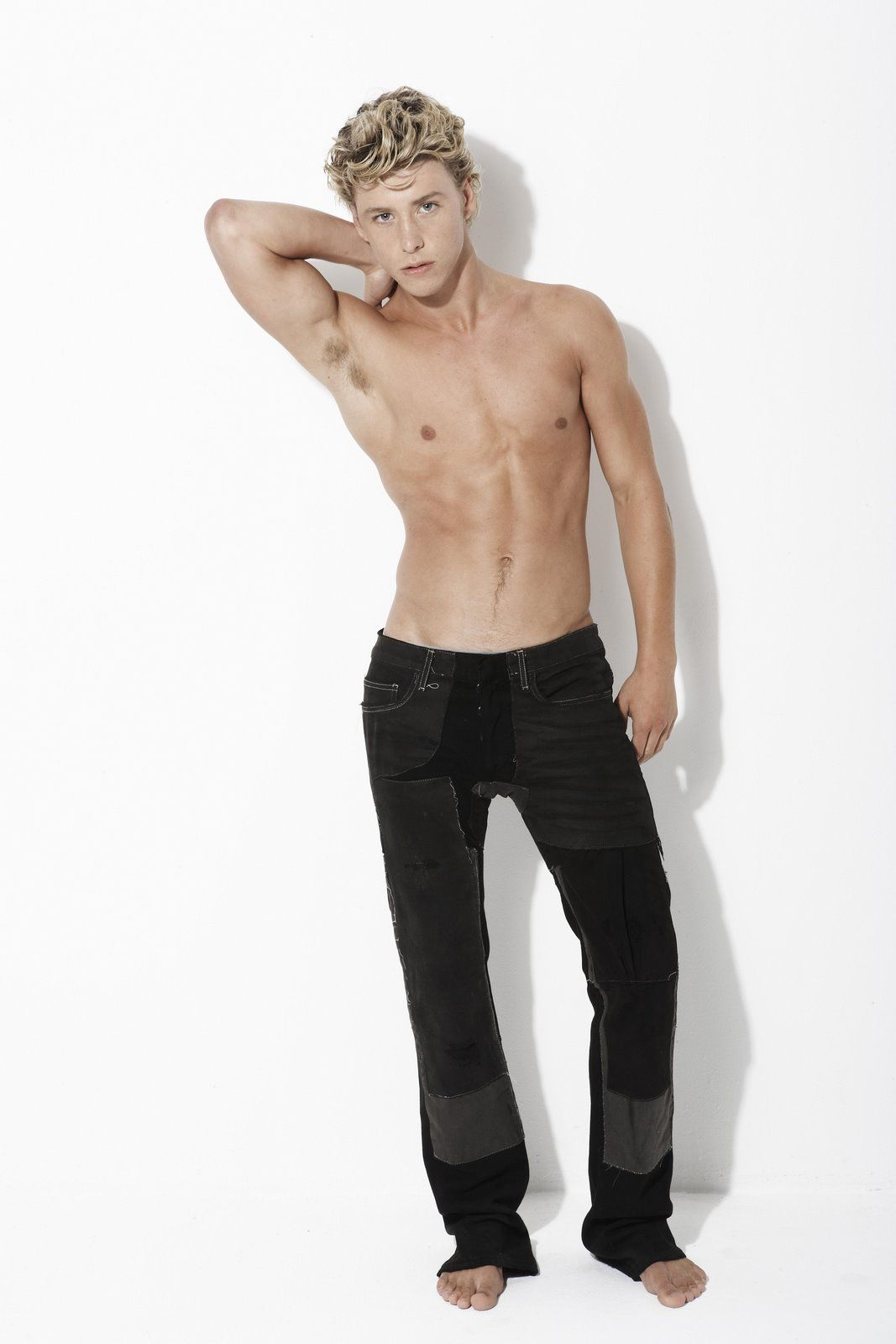 picture Mitch Hewer (born 1989)