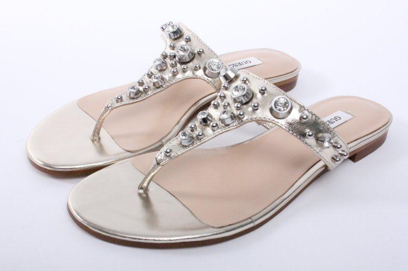€129.95 Wil jij je Guess schoenen online bestellen? Mail