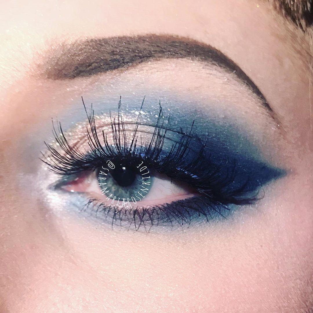 70 Stunning Eyeshadow Makeup Ideas for Christmas #browneyeshadow