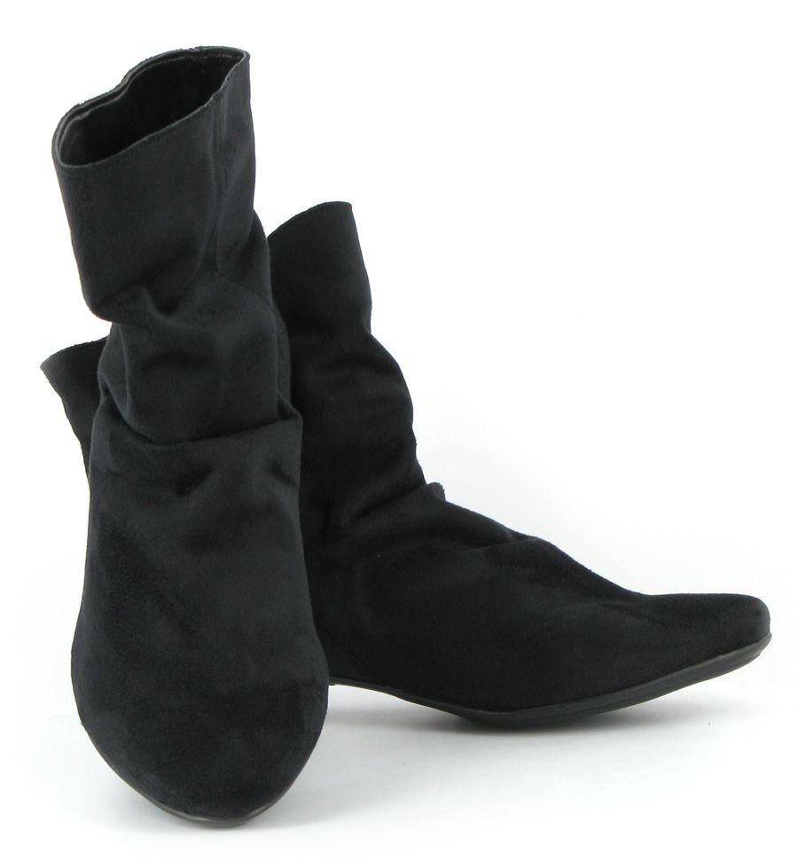 Pixie boots, Black boots