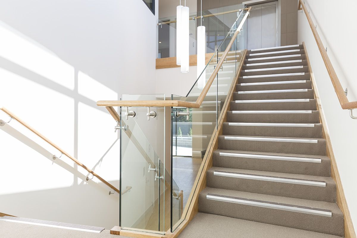 Best Stair Staircase Commercial Non Slip Treads 400 x 300