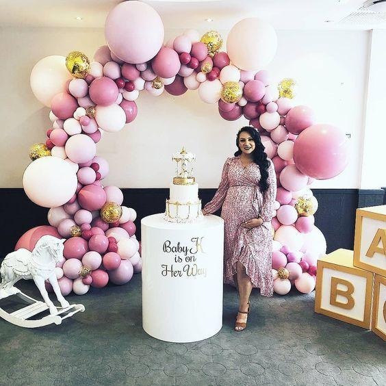 Como Vestirme Para Mi Baby Shower En 2019 Baby Shower De Color Rosa Juegos De Fiesta Shower Y