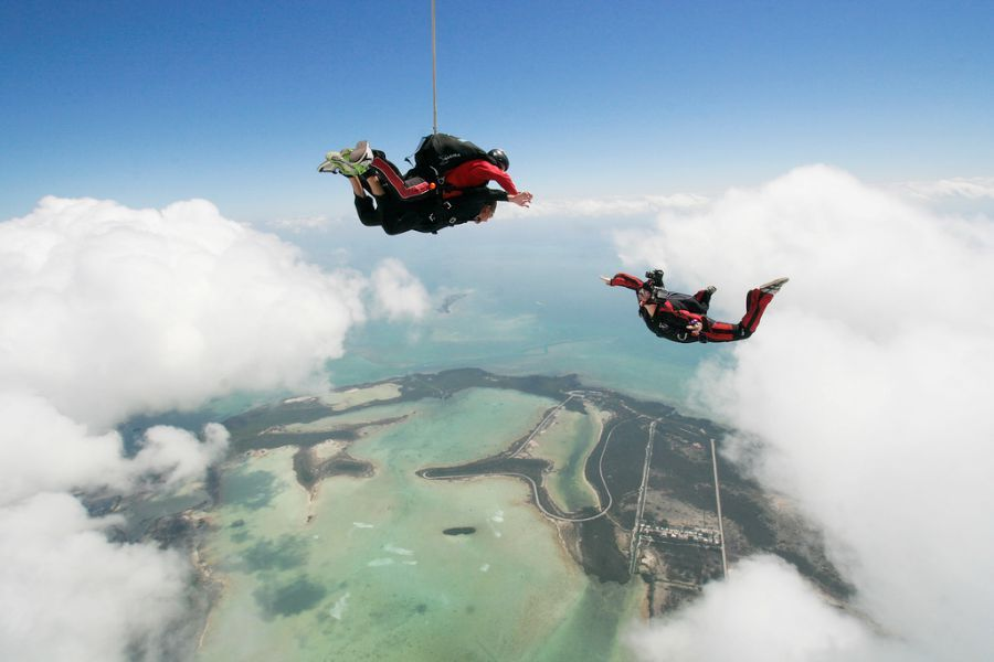 The World S Best Skydiving Locations Backpacker Travel Key West Diving Skydiving