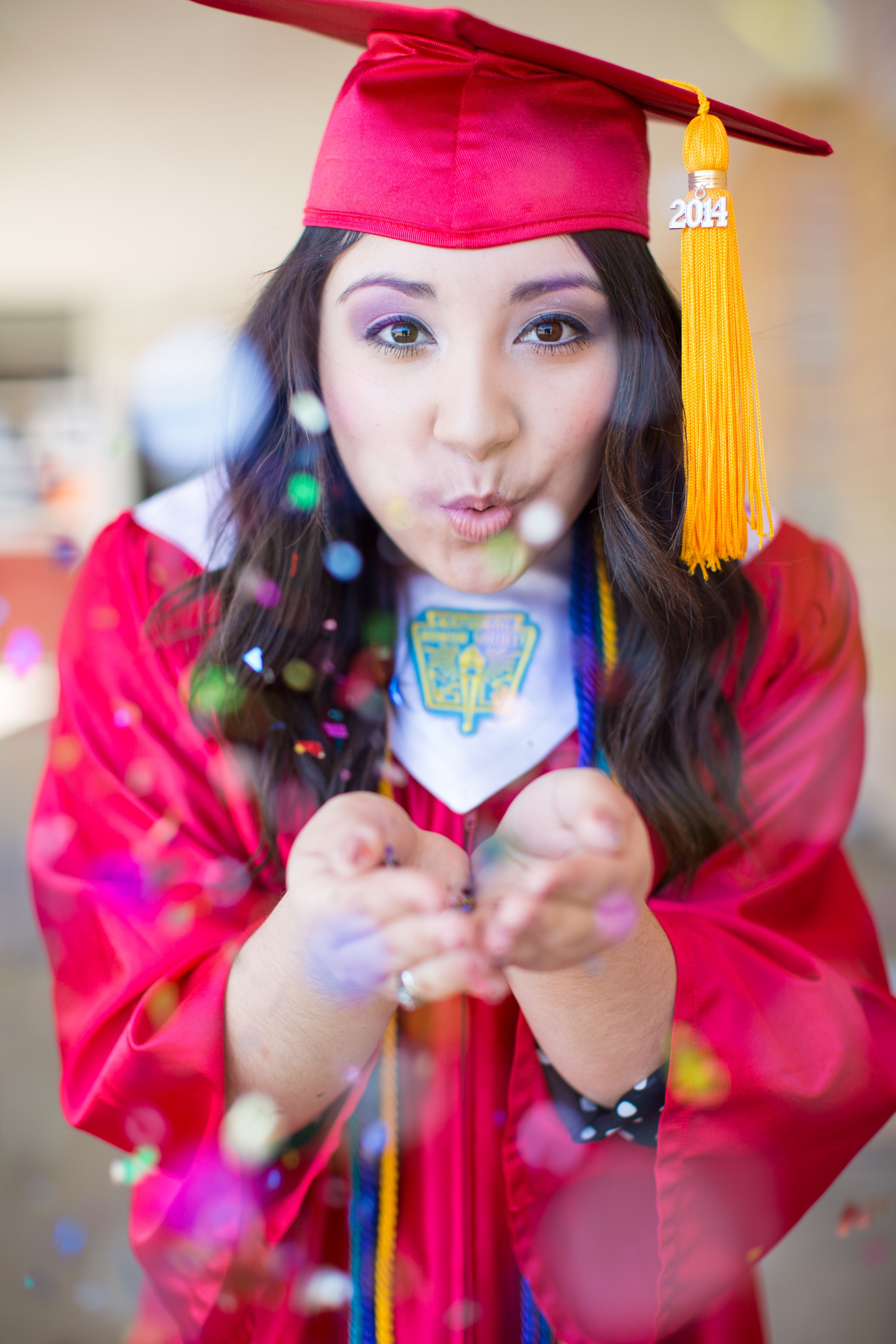 Cap & gown with glitter/confetti for senior picture! By Haley Kruse ...