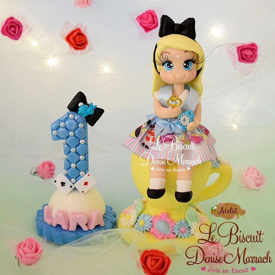 Alice No Pais Das Maravilhas Em Biscuit Para Topo De Bolo E