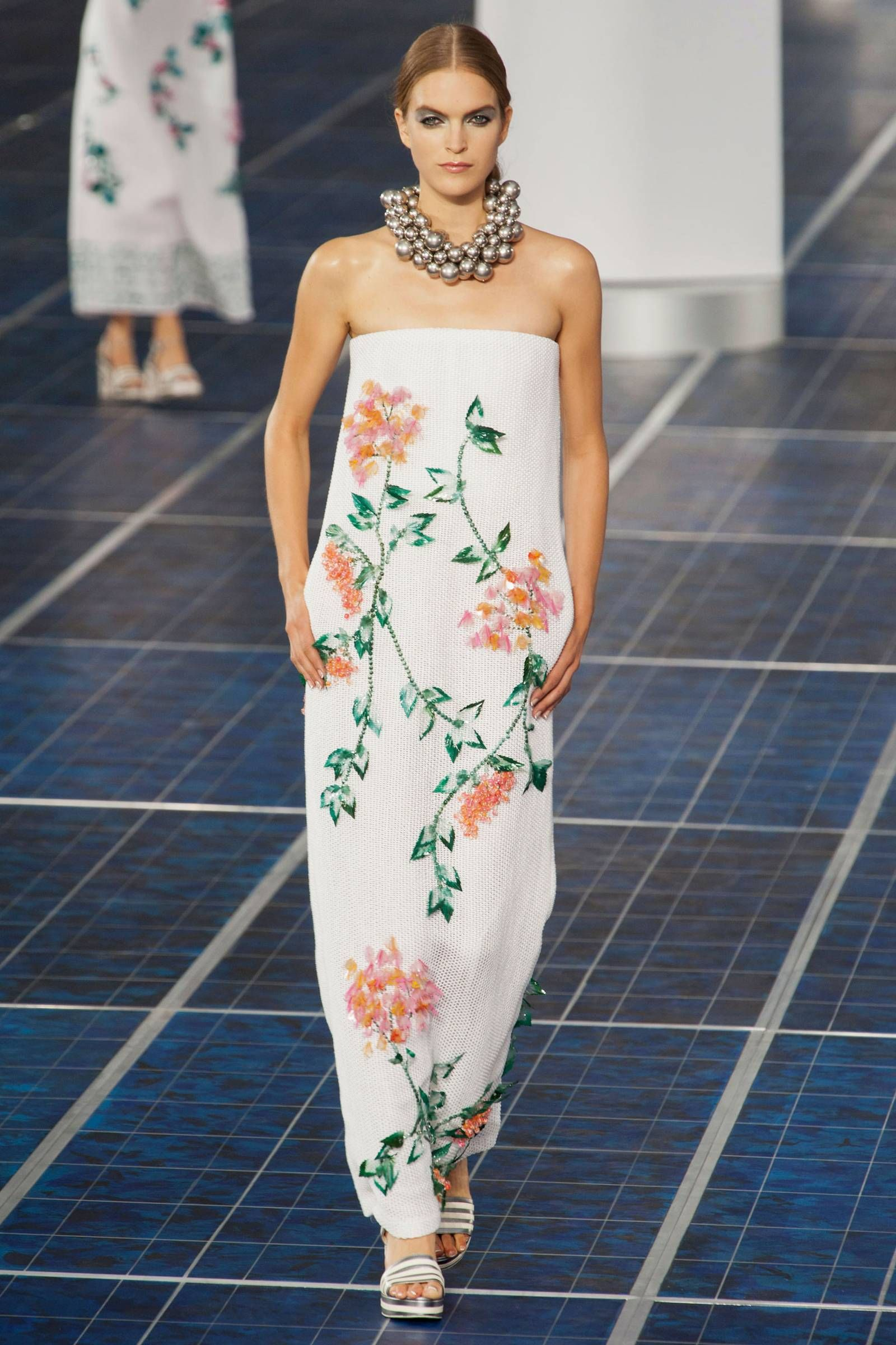 Chanel spring rtw fashion show chanel spring spring and