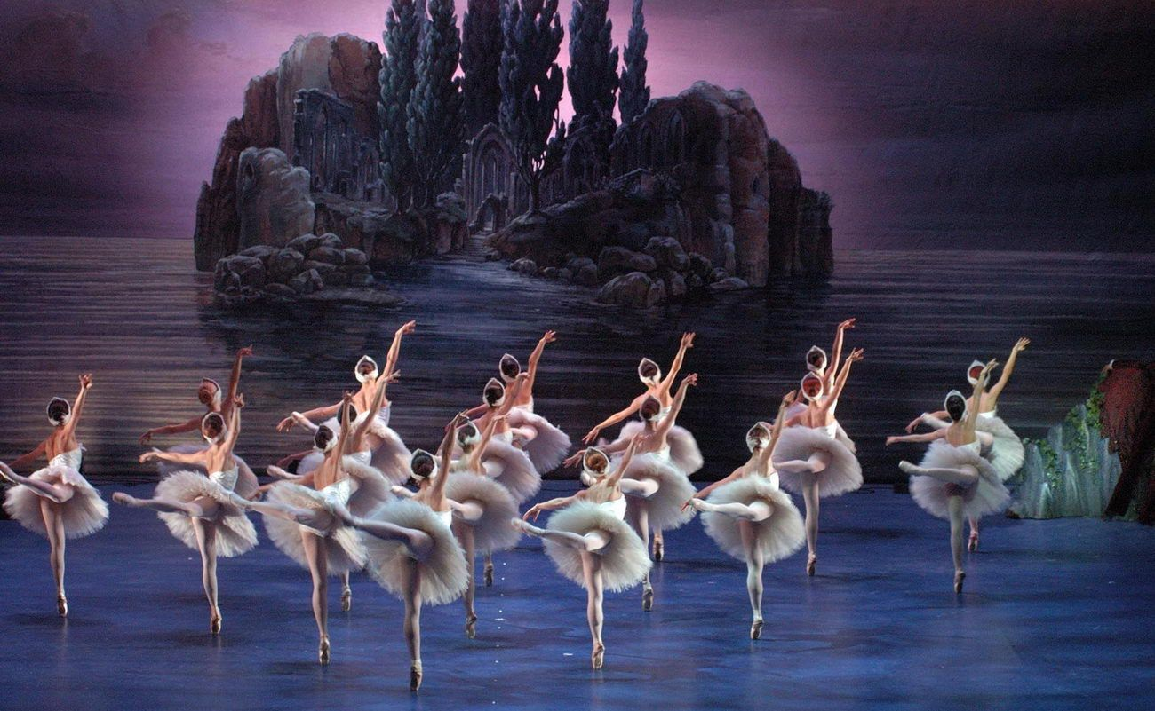 Картинки лебединое озеро чайковский