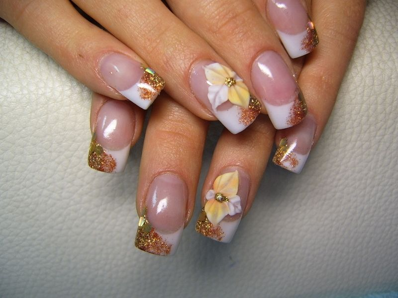 Nail Art brushes help the nail artist to create eye catchy very fine ...