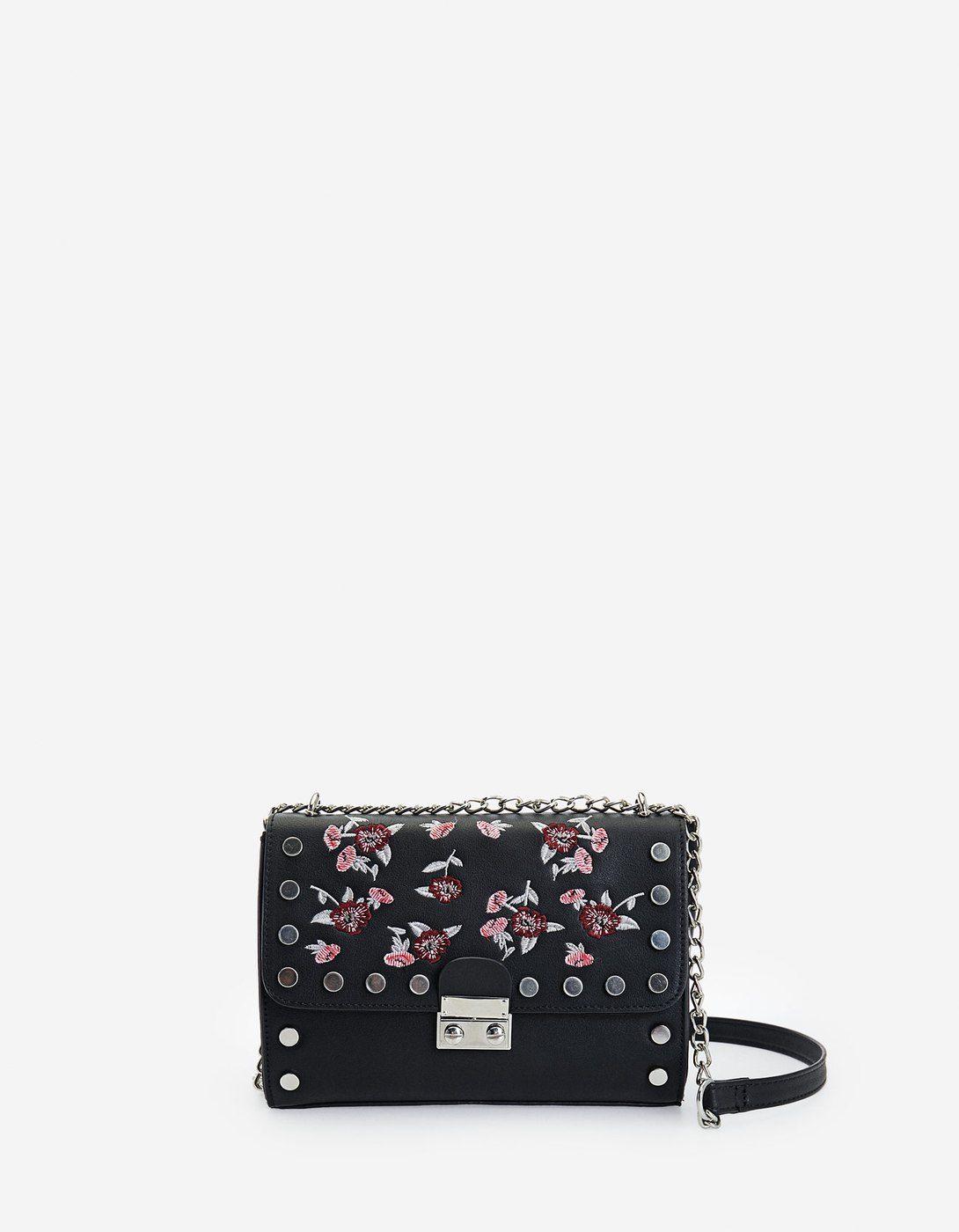 02aa4468a6b2 Τσάντα χιαστί με κεντημένα λουλούδια - Πουκαμισα | Stradivarius Greek