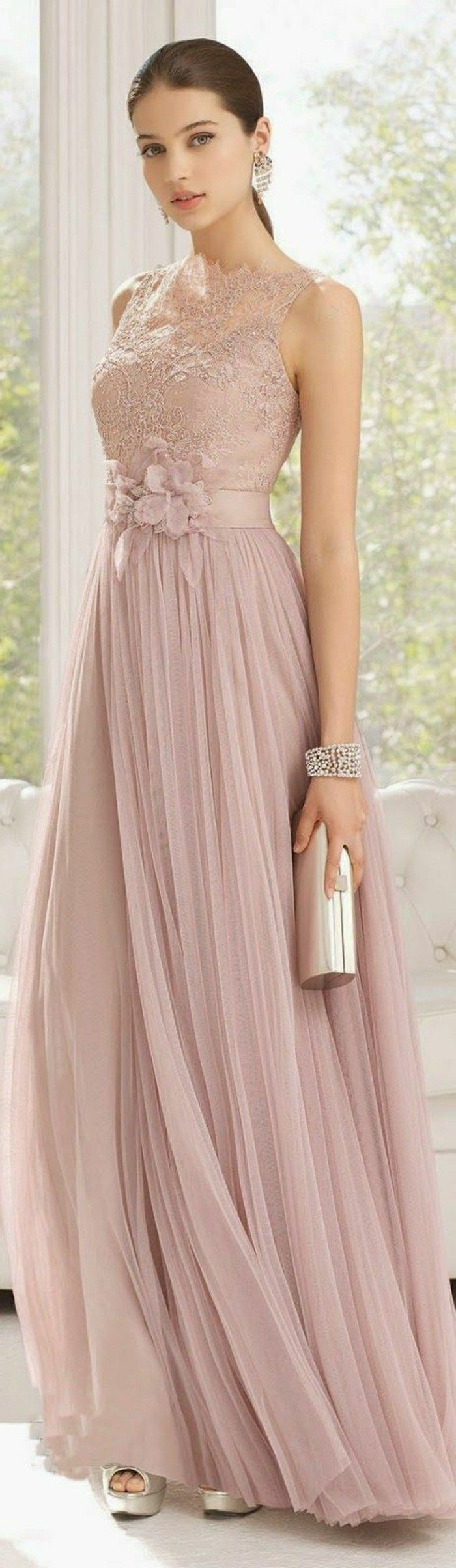 Rosa Brautkleid für einen glamourösen Hochzeits-Look  Abendkleid