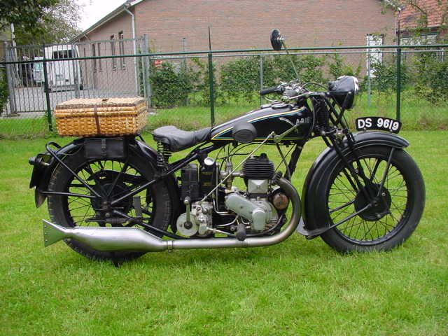 1930 Ariel B 550cc Classic Bikes Classic Motorcycles Vintage Bikes