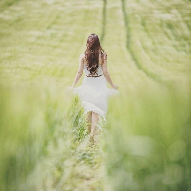 """""""Meu caminho é feito de uma alma com pés valentes, mesmo quando cansados arriscam mais um passo. É essa doce valentia que me trouxe até aqui."""" [Ana Jácomo] http://instagram.com/terabitiapage"""