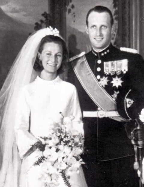 Historias de amor atípicas... como la de Meghan y Harry    En la imagen : Sonia Haraldsen y Harald, príncipe de Noruega    #history #amor #love #lovehistory #royalty #realeza #norweigianhistory #norway #noruega
