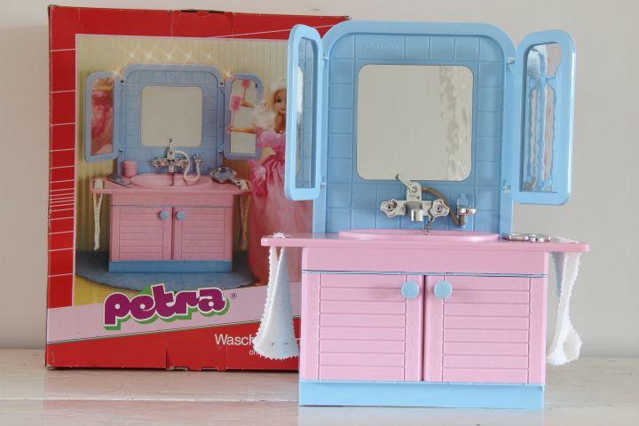 Petra barbie wastafel te koop bij zolderwinkel barbie