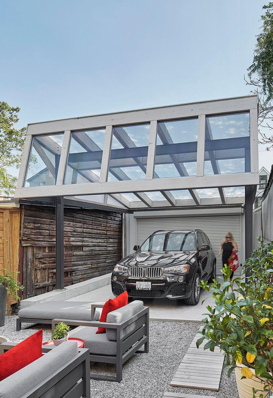 Renovated SemiDetached Victorian Home (Carport) in