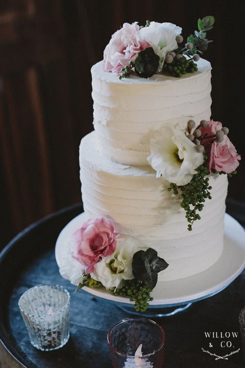 wedding cake tier height two tier rustic wedding cake i loved the height 26262