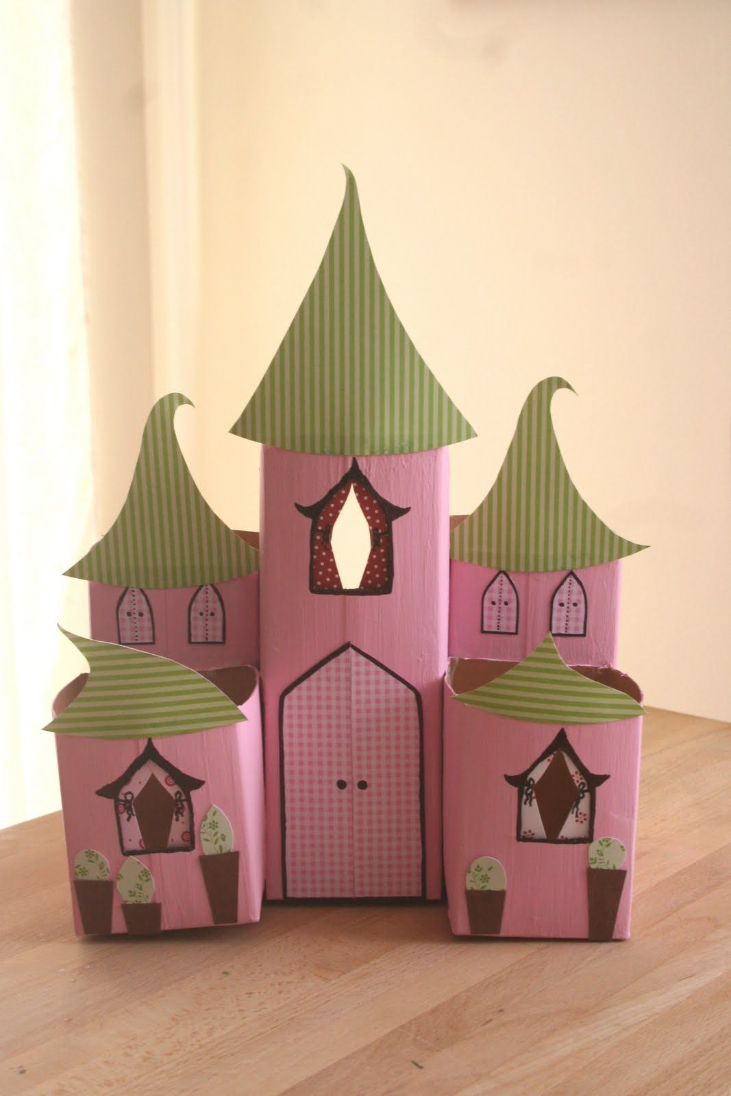 عمل فني بيت من الكرتون زنوبيا Crafts Milk Carton Crafts Arts And Crafts For Kids
