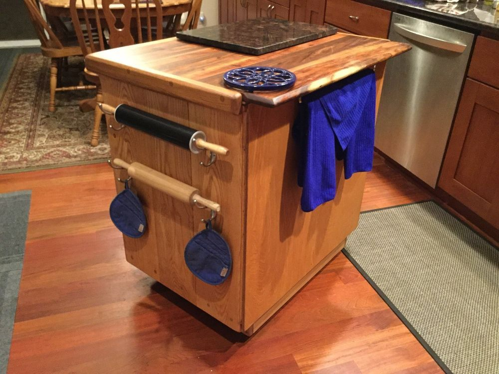 A Little And Thrifty Kitchen Island On Wheels  Kitchens Diy Brilliant Small Kitchen Island On Wheels Decorating Design