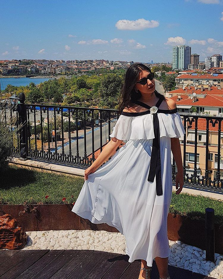 a2ed517714a92 Fatima Almomen - White Chiffon Black Strap Off the Shoulder Midi Dress