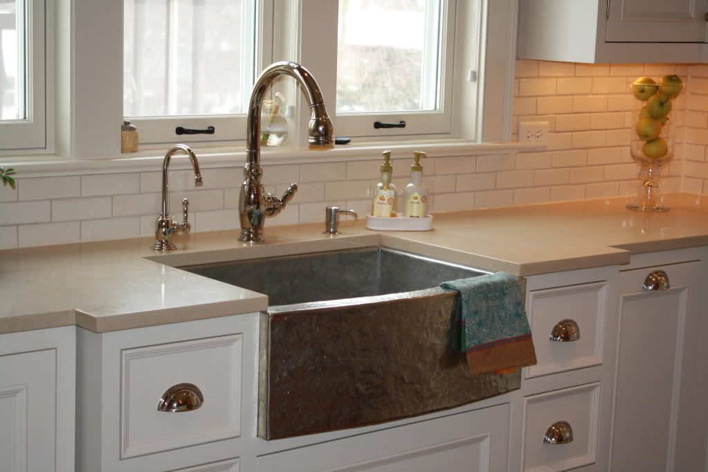 Wow! Check kout this sink! The faucet is too big... IMG_0523.jpg ...