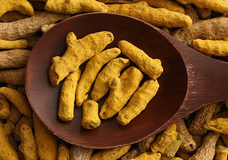 Turmeric: How to Eat, Drink and Use This Household Spice via @PureWow