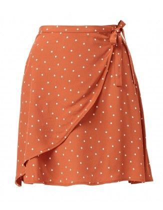 ea7f196cb6 SPOT WRAP MINI SKIRT Flippy Skirts, Short Skirts, Mini Skirts, Red Polka Dot