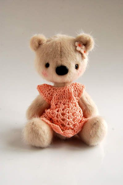 Lieselot by By Nathalie`s Bears | Bear Pile