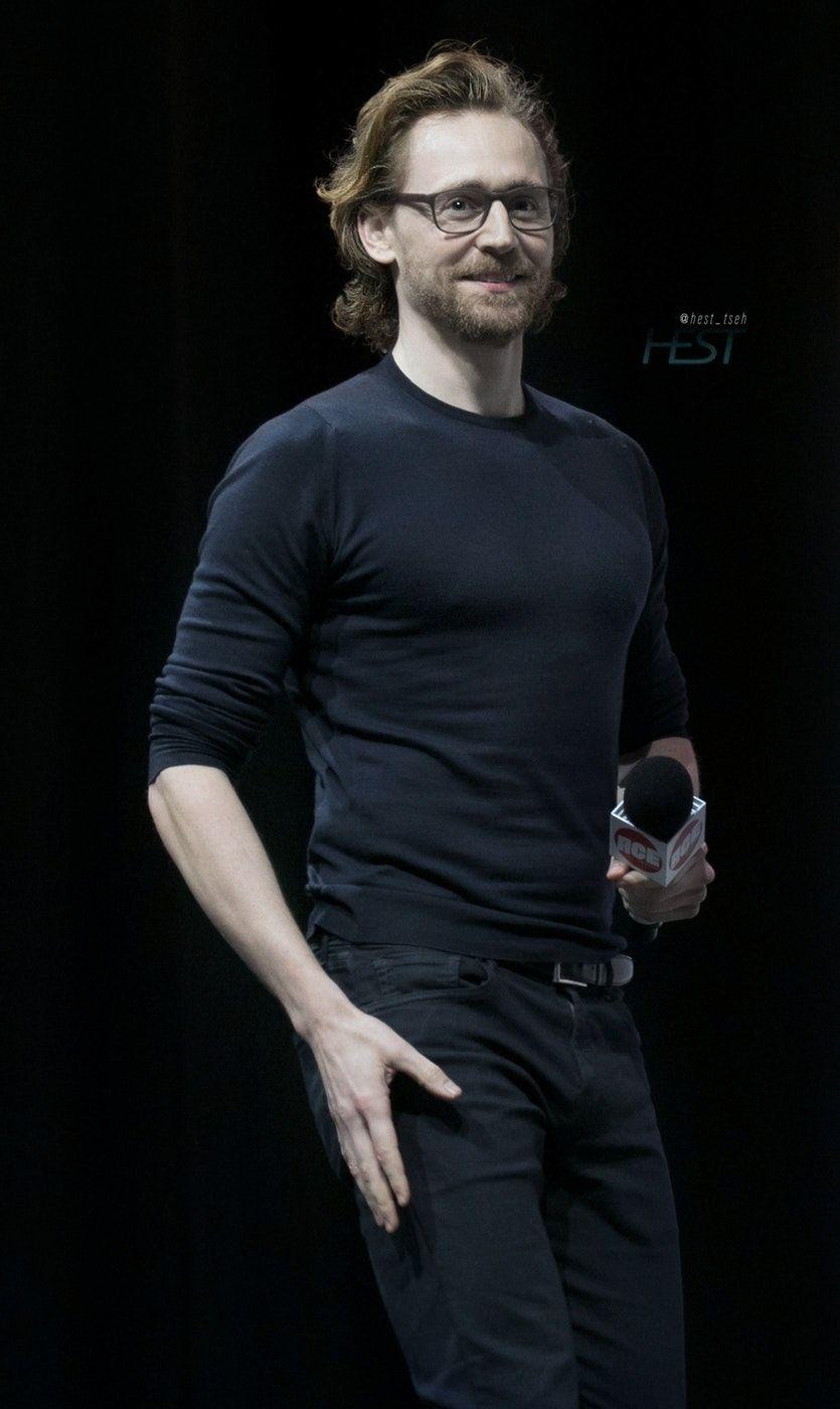Tom Hiddleston at the ACE Comic Con Arizona 13, 2019