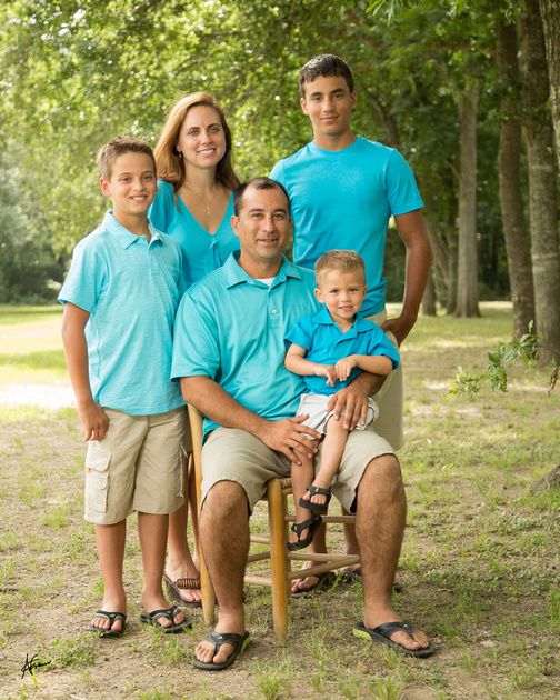 Fred white and blue family portraits at cullen park katy